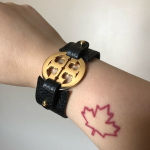 TORY BURCH LEATHER BUCKLE LOGO BRACELET